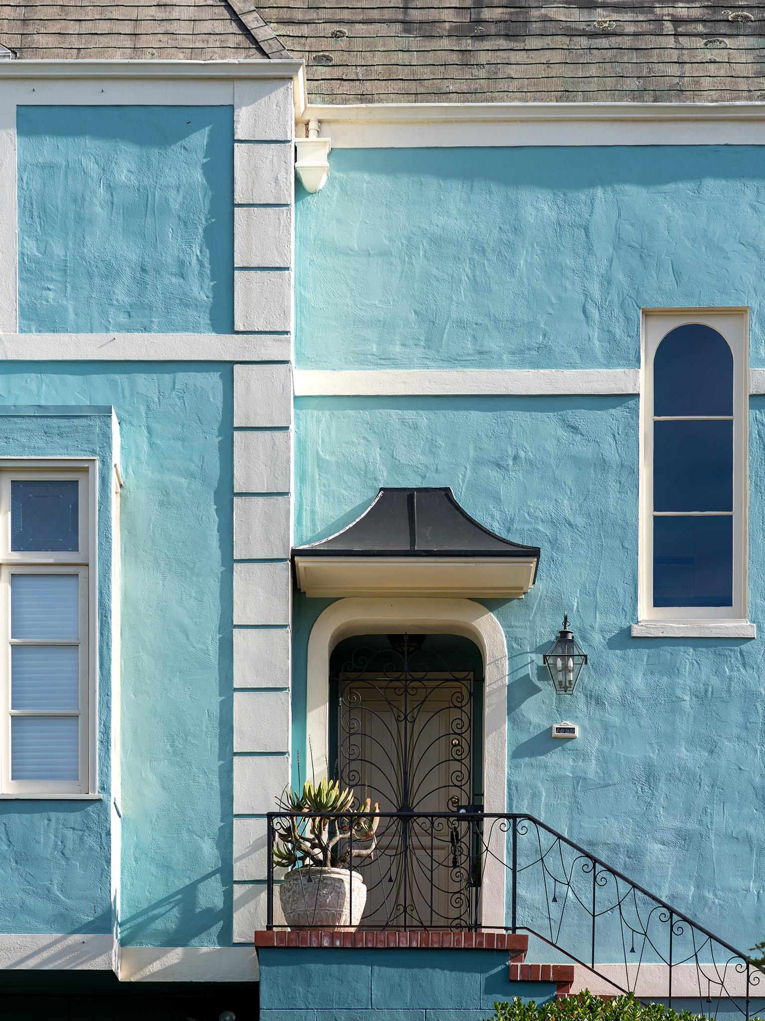 0937-blueHouse-2048.jpg